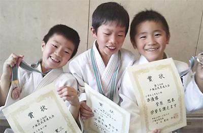 瀬谷柔道会、4部門優勝