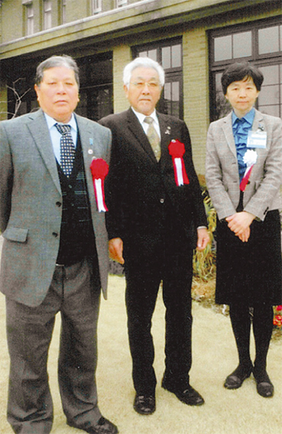 菅原さんに10年表彰