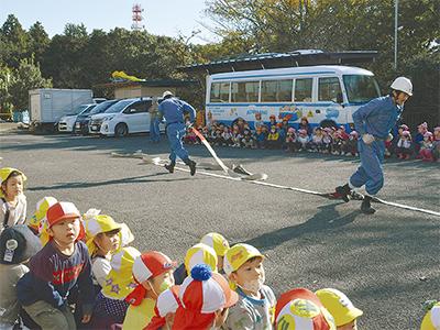 園児ら参加し避難訓練