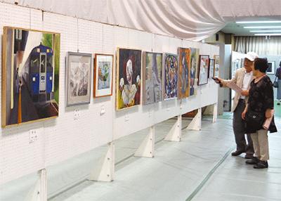 区民の力作揃う美術展