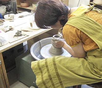 プロ希望の方は横浜いずみ陶芸学院(併設)へ