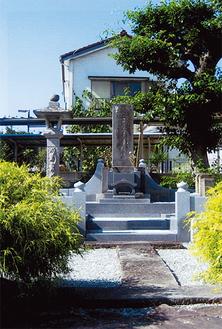 石巻康敬の墓