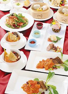 香港料理コース(右)と南イタリア料理コース(下)