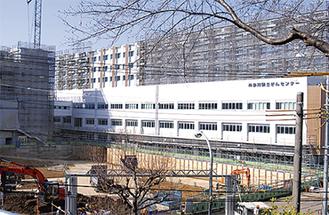 11月の新病棟オープンに向け、工事が進むがんセンター