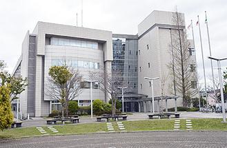 誘導用ブロックの改善等を進める泉区総合庁舎