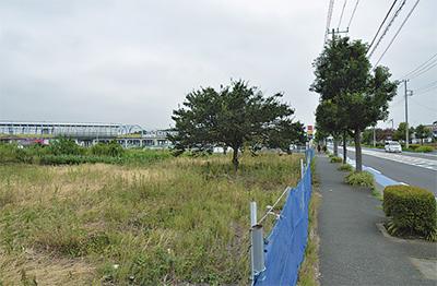 下飯田駅付近からゆめが丘駅方面を望む。右は環状4号