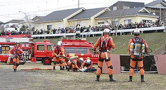 昨年の消防演技