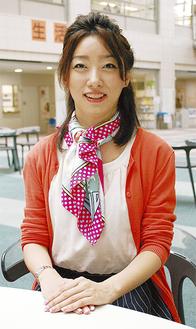 「スカーフが大好き」と安西さん