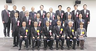 今年度の戸塚税務署納税表彰者たち