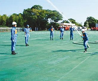 練習する団員たち
