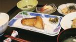 器にもこだわった食堂の料理は基本的に朝と夕のみの提供だが、見学会では特別に昼食として味わえる