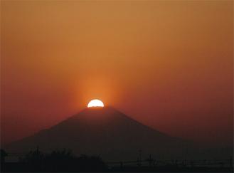 中央公園から見える富士山(御園生貞雄さん提供)