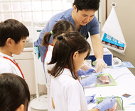 小学生が医療体験