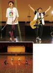 閉館後の文体で熱唱するゆずの北川悠仁さん(左)と岩沢厚治さん(撮影:太田好治※記事内全て)