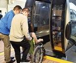 車椅子で乗車訓練も