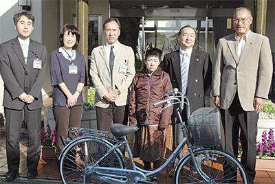 自転車を寄贈