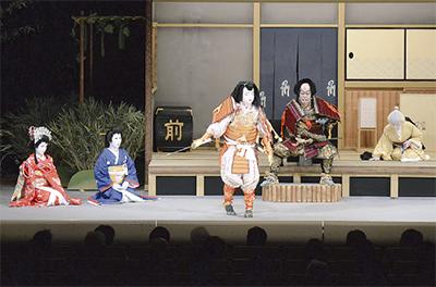 公会堂で「いずみ歌舞伎」
