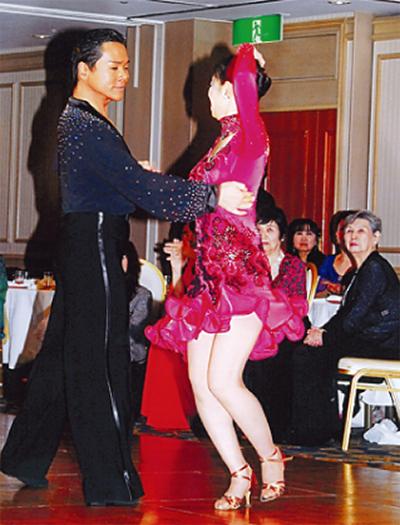 社交ダンスを始めるなら