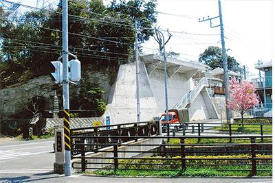 弥生台駅北口から新橋町を歩く