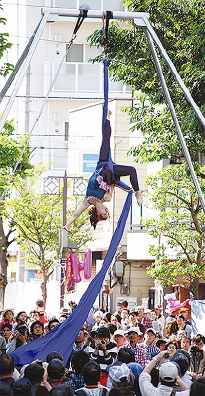 野毛大道芸が30周年