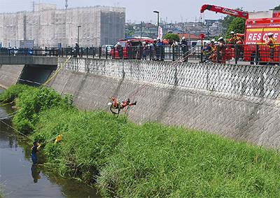 3市合同で河川救助訓練