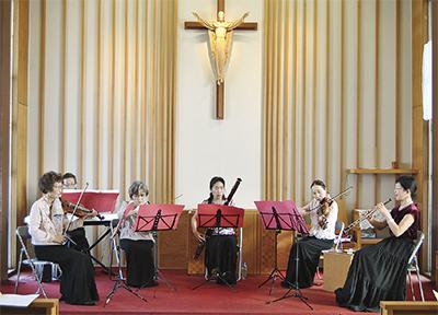 聖堂で管弦楽演奏