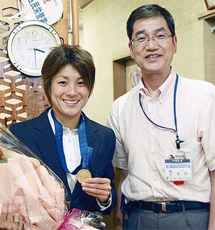 近賀選手と葛西区長(寿司雅で)