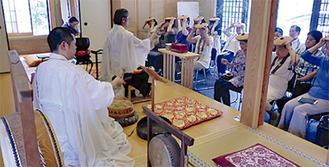 日蓮宗の100日大荒行を経験した増田幸静住職を中心に祈祷