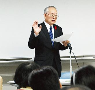 講義する矢浦さん