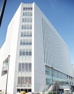 完成を目前に控えた総合庁舎
