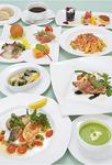 ▲ハンガリーの国宝豚に、鮮魚も味わえるコース