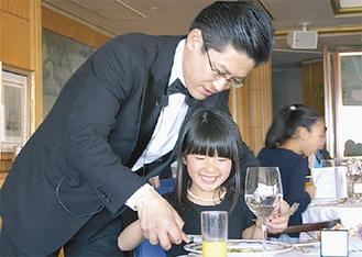 講師を務める同ホテルの櫻田さん