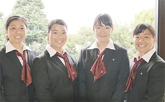 (左から)平野選手、藤本選手、三村選手、片岡選手
