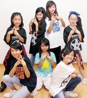 (左上から時計回りに)HANNAさん、KAREN.Nさん、DJ KARENさん、MISIAさん、SHOW-TAさん、WACOさん、HIYOさん