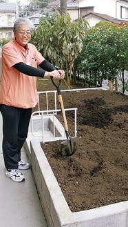 「作物づくりを一緒に楽しみましょう」と話す石田さん