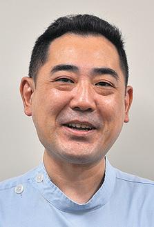 講師の内山氏