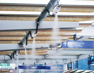 新横浜駅に設置されたミスト式冷却機