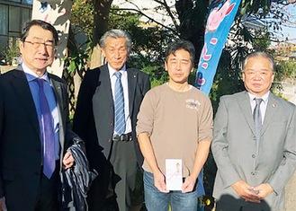 寺村さん(右から2番目)と戸塚西RCメンバー