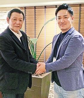 清家氏(左)と瀧代表