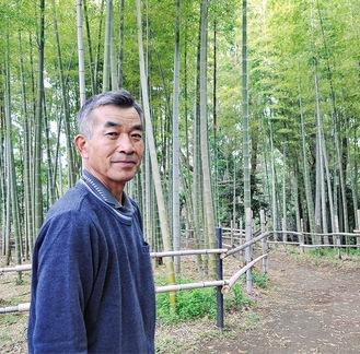 竹林を紹介する中島さん