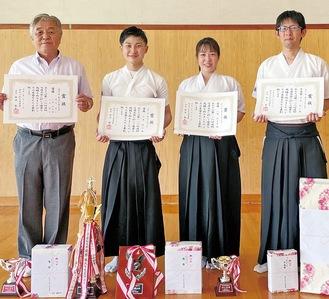 右から青木さん、小野さん、山本さん、伊藤会長