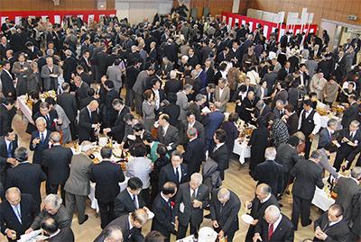 500人が参加、新年祝う