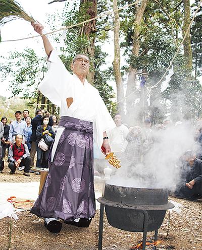 舞岡で湯花神楽