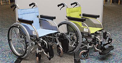 10周年を記念して車椅子250台を寄贈