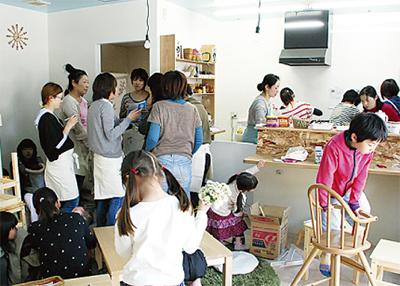 矢部町に親子カフェ