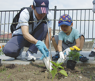 子どもたちと植栽