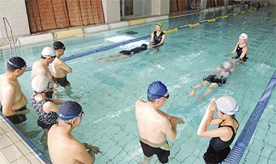 10代〜80代がプール体験