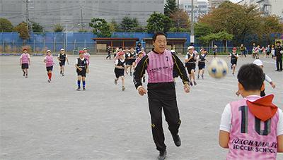 講師に横浜FCの奥寺氏