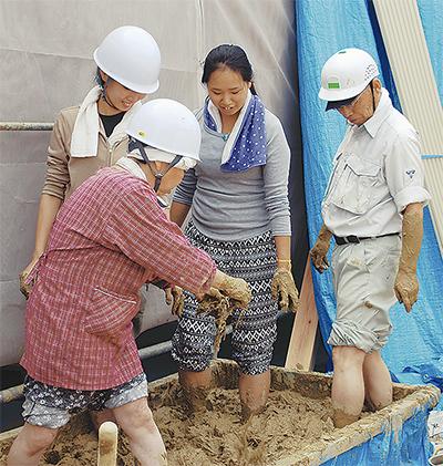 建て替え作業に住民参加