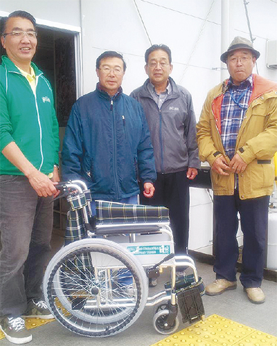車椅子を毎年寄付